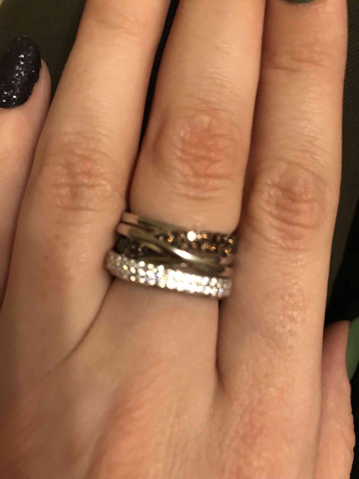 Очень красивое кольлцо .