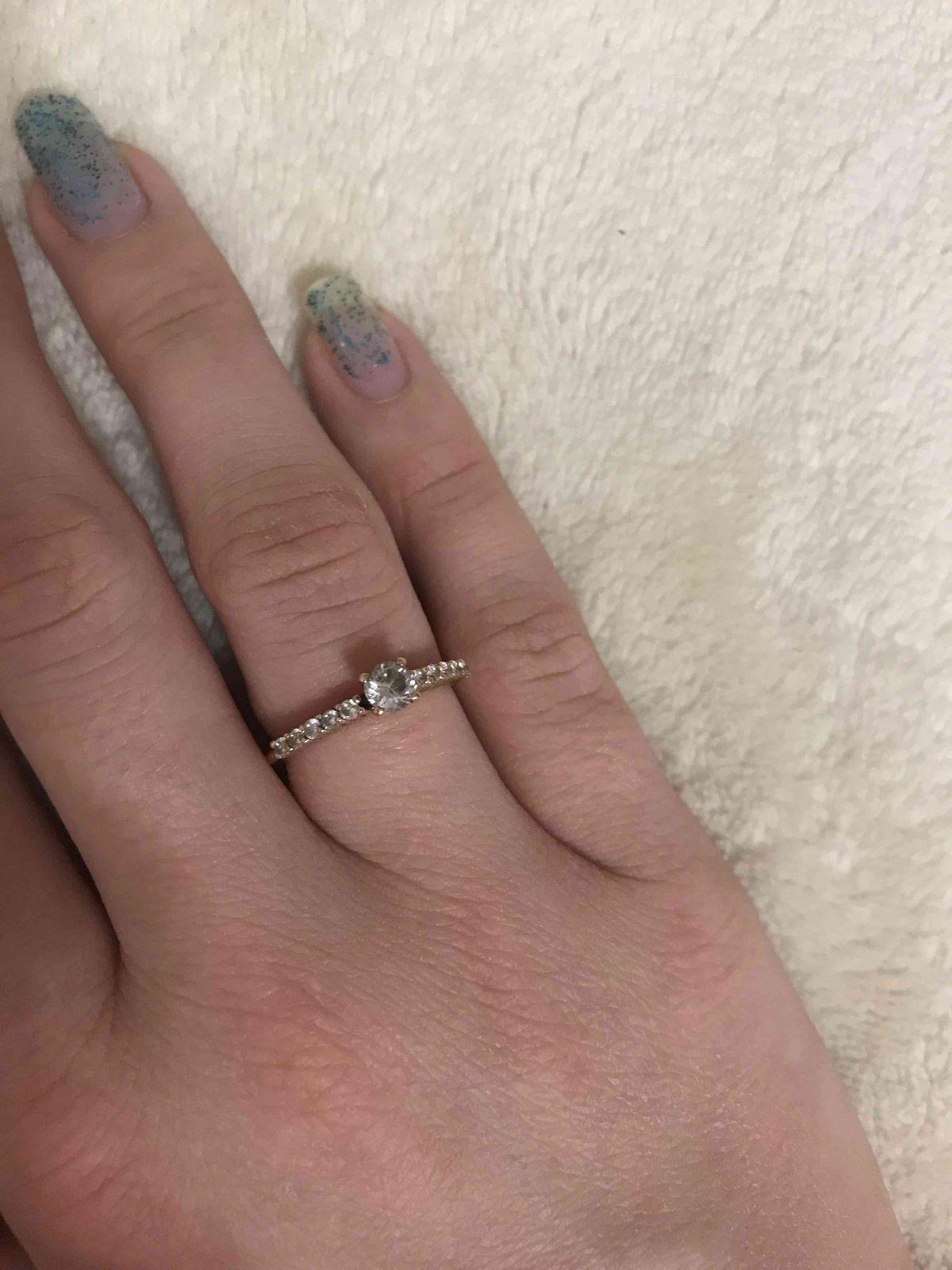 Купил кольцо муж