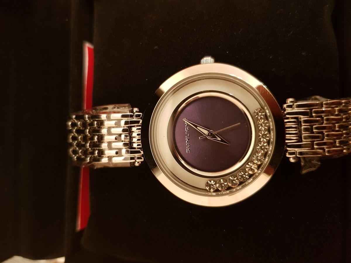Шикарные часы по доступной цене!!
