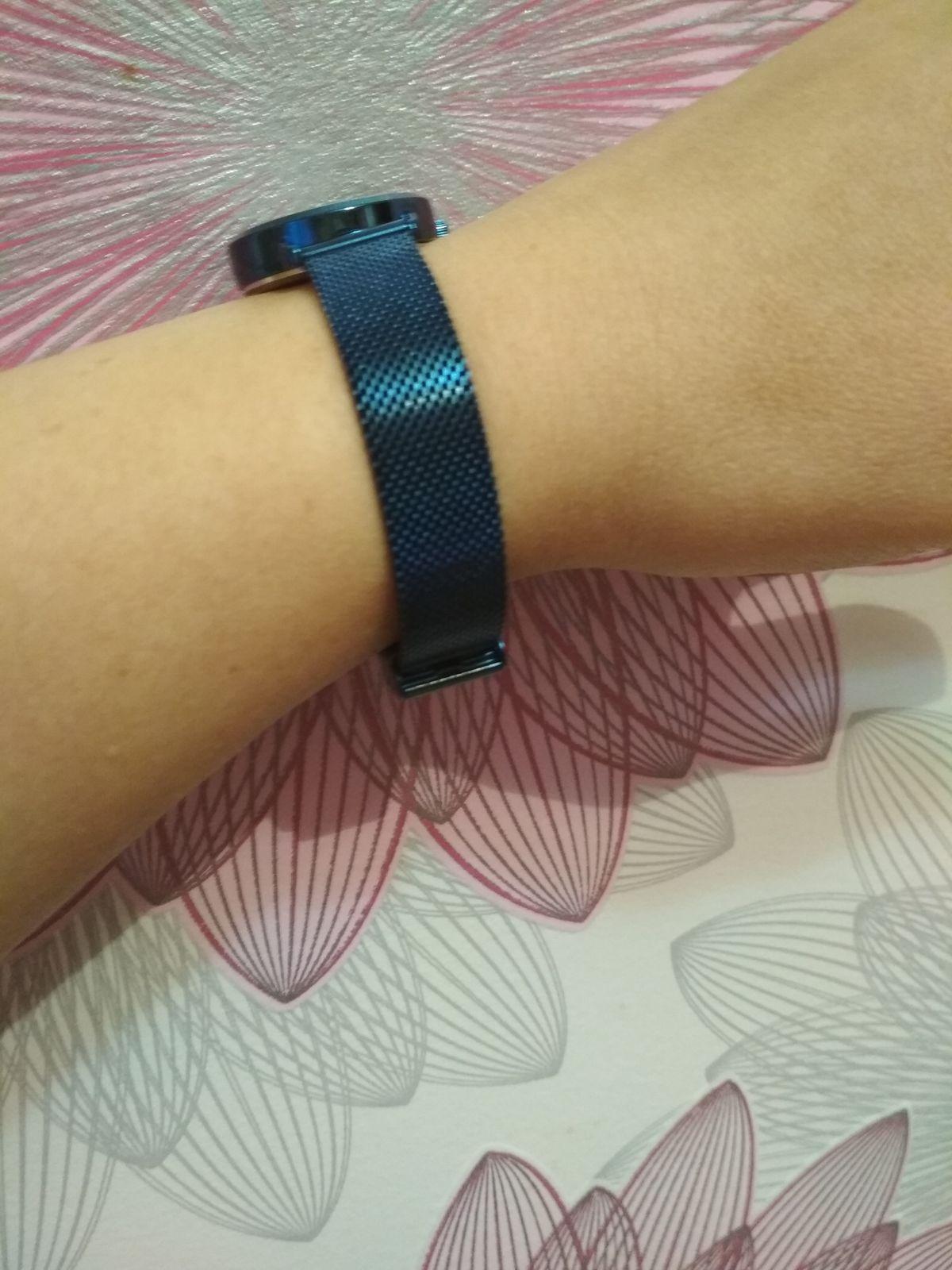 Понравились с первого взгляда, за красивый тёмно-синий цвет