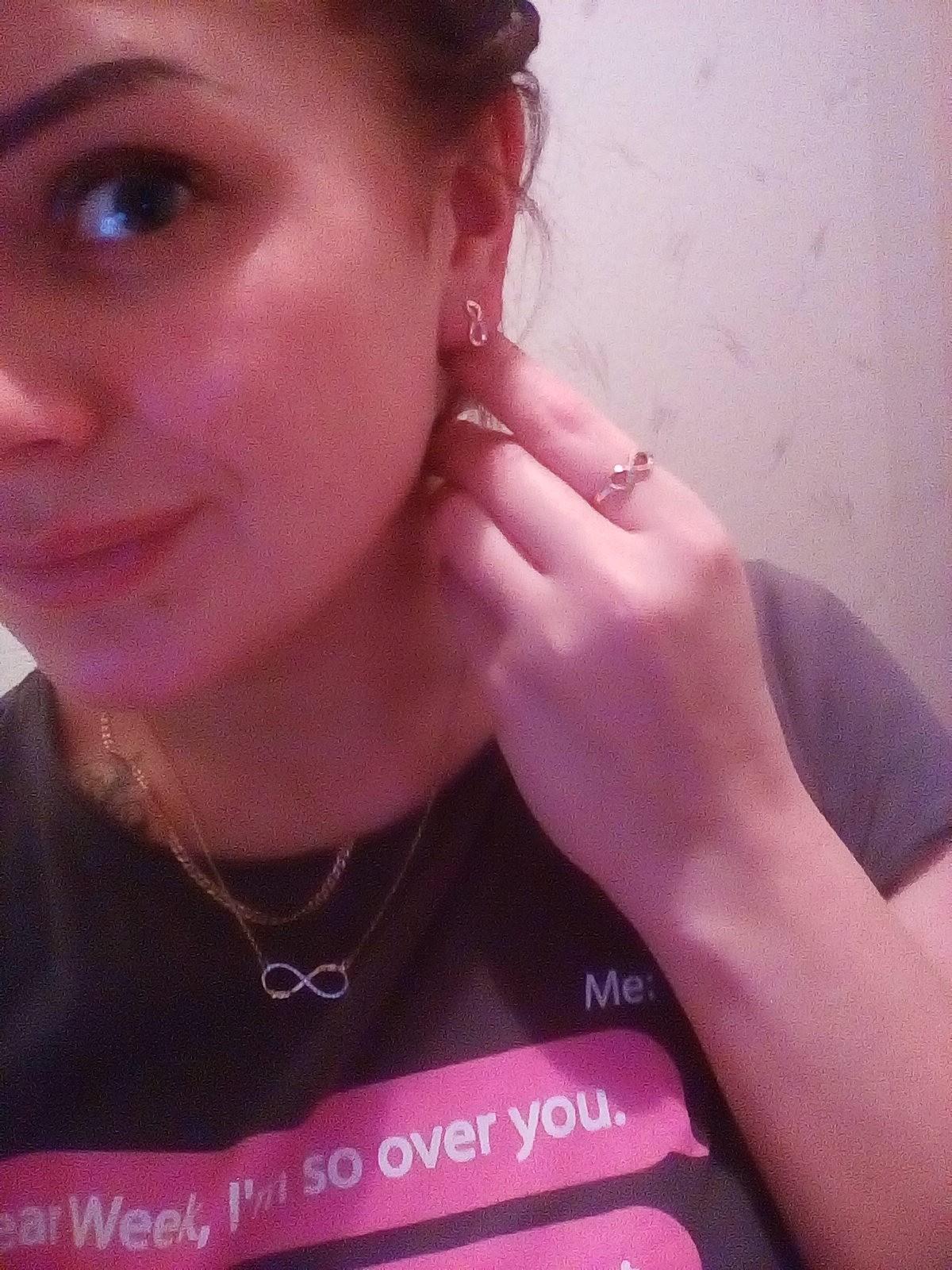 Лаконичные серёжки с бриллиантами