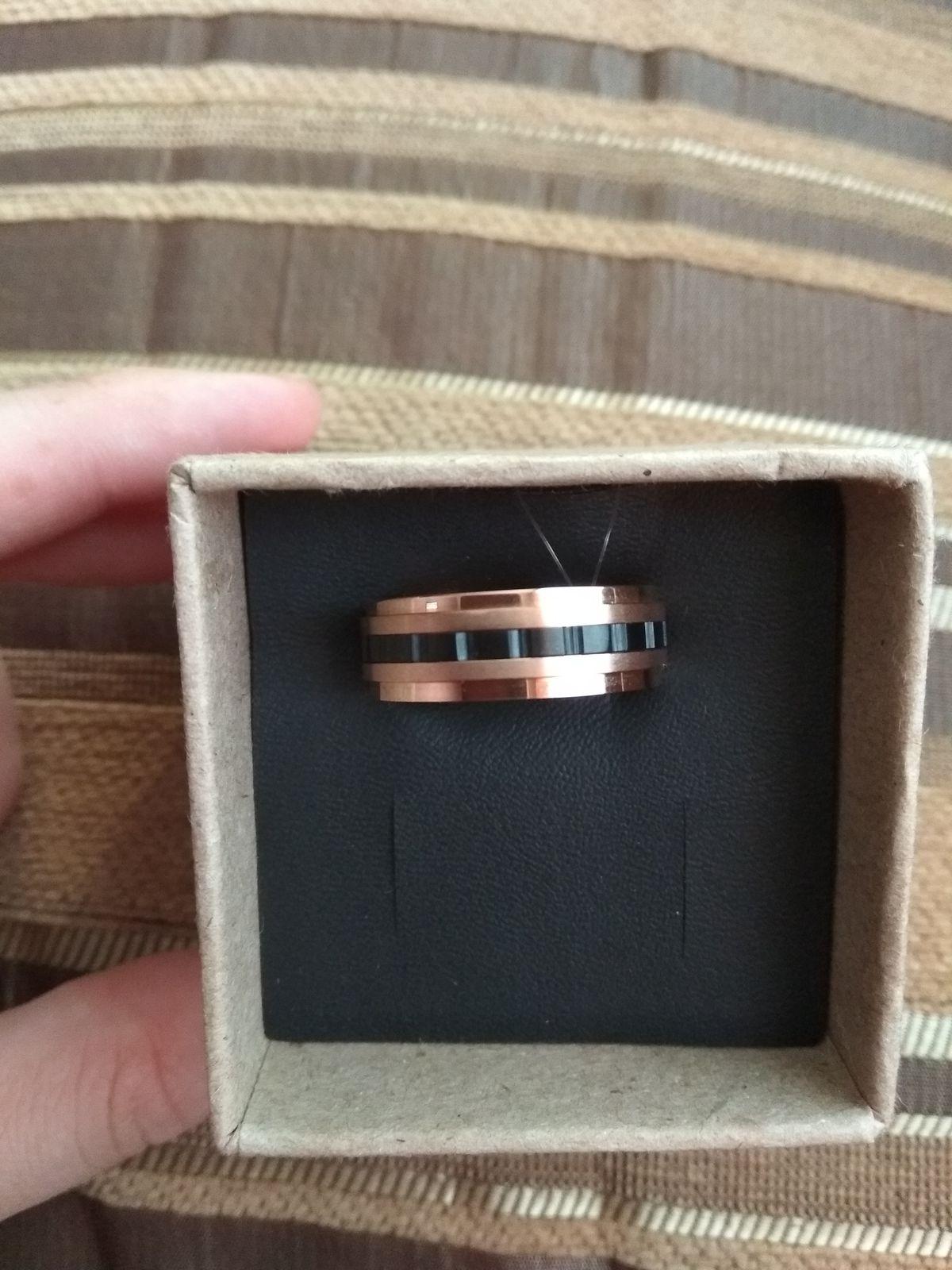 Классное мужское кольцо.