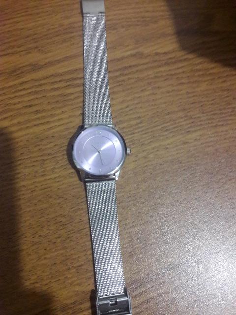 Стильные часы с сиреневым циферблатом