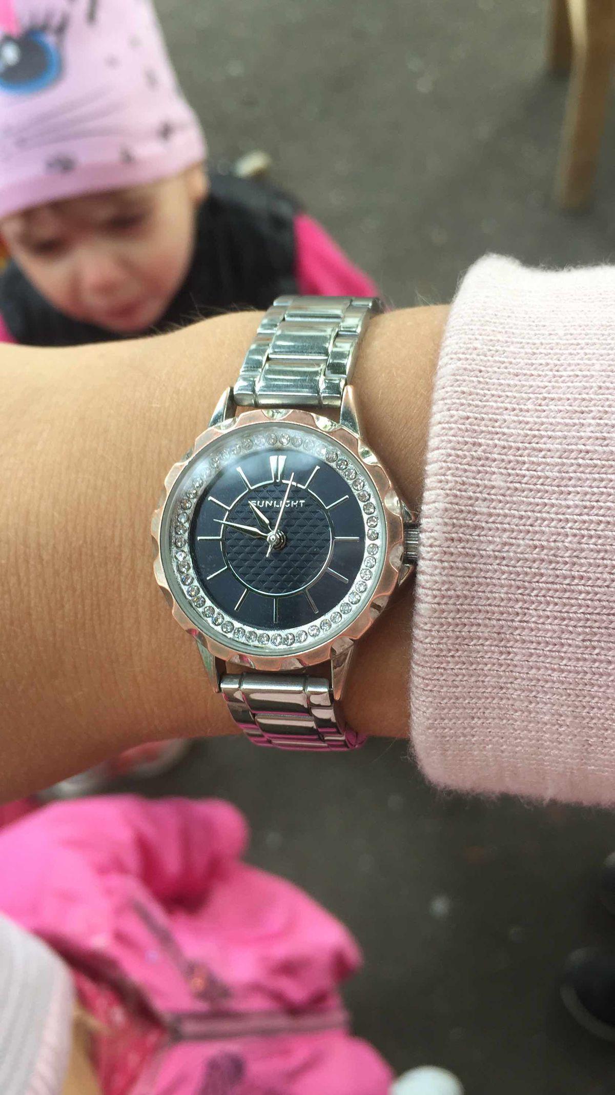 Очень стильные и недорогие часы