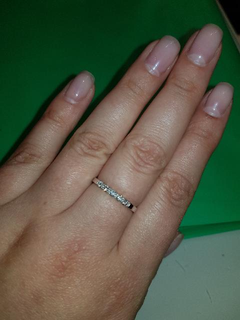 Восхищаюсь покупкой элегантного изделия с бриллиантами