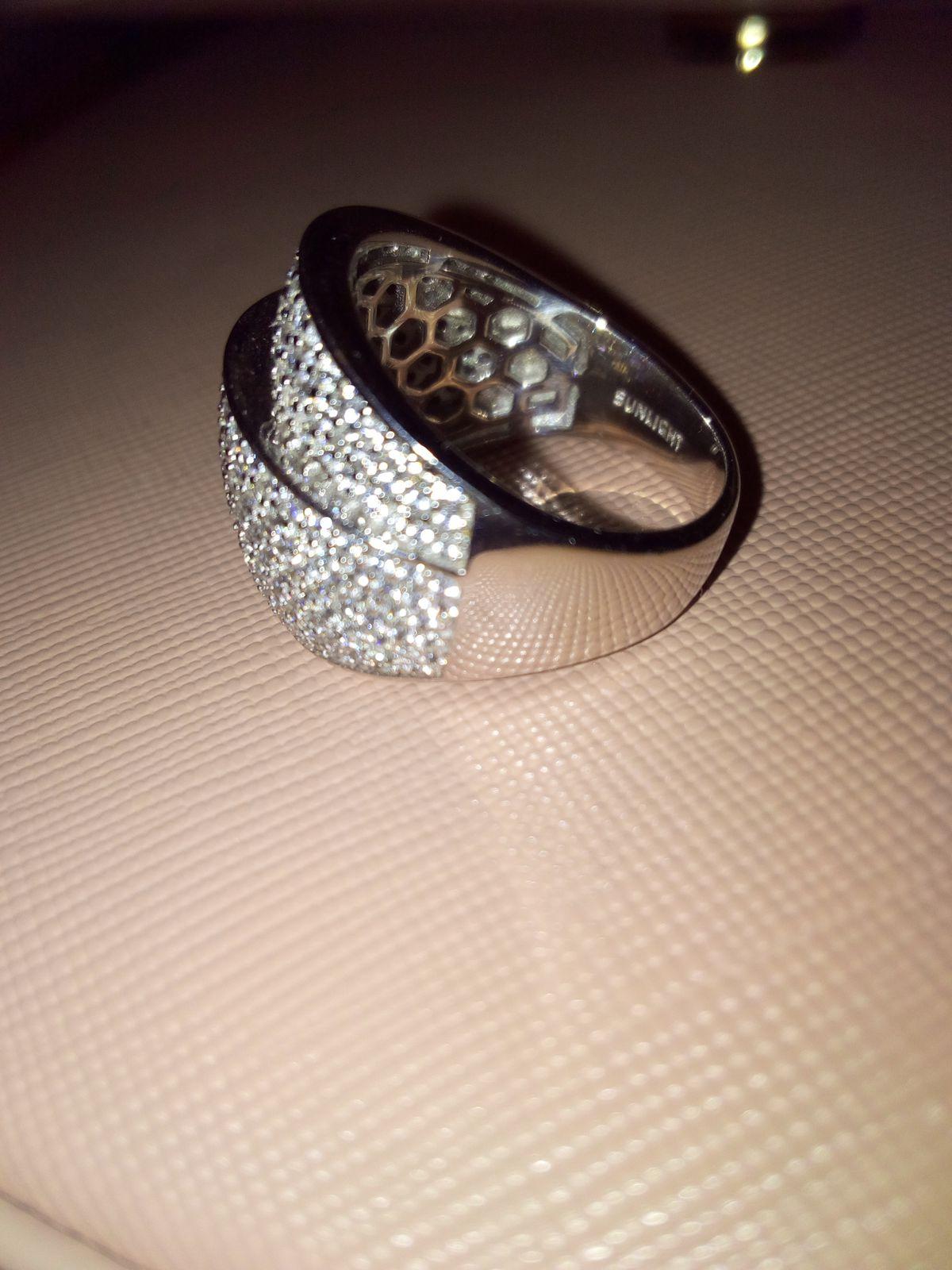 Просто шикарное кольцо!